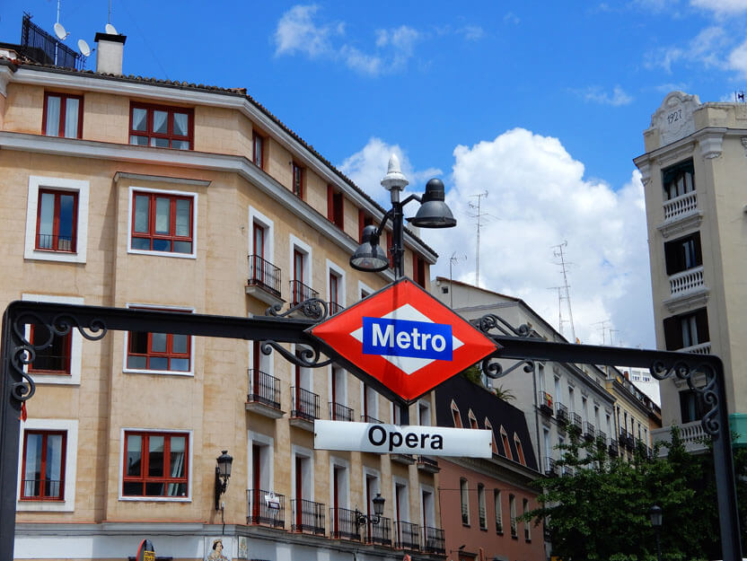 Madrid Sehenswürdigkeiten - Metro Station Opera