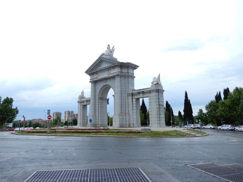 Puerta de San Vicente – Sankt Vincent Tor
