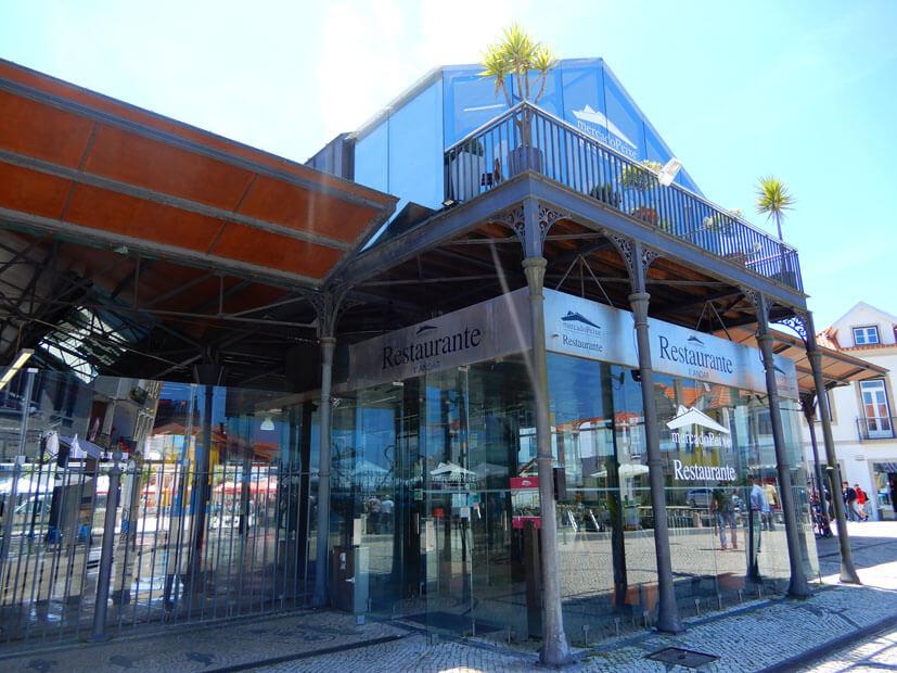Fischmarkthalle mit Restaurant Aveiro