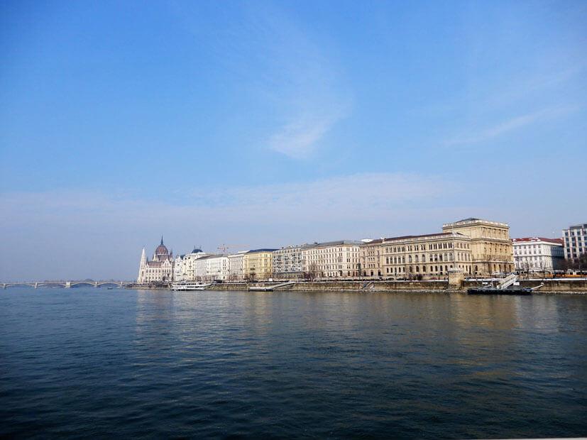 Budapest Sehenswürdigkeiten - Bootsfahrt auf der Donau