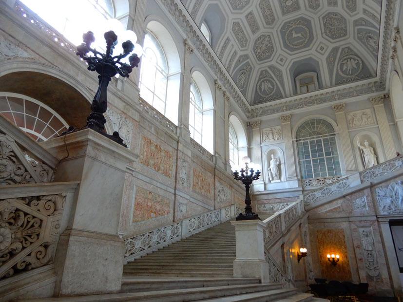 Eingangshalle Neapel Nationalpalast