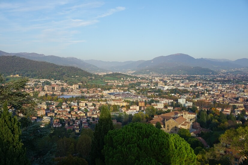 Blick über Bergamo von Rocca