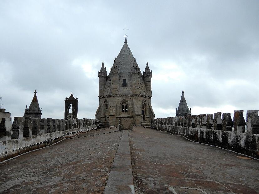 Dach der Kathedrale Evora