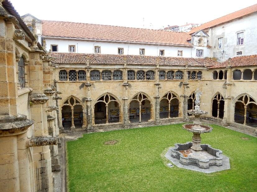 Innenhof Santa Cruz Kloster