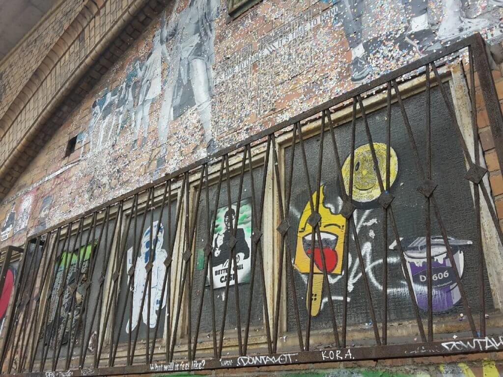 Street Art Berlin Tourist in der eigenen Stadt