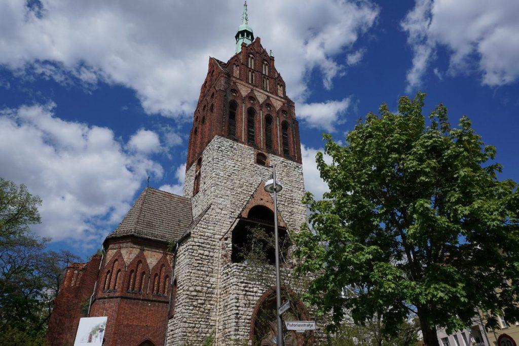 Mirbachplatz Kirche