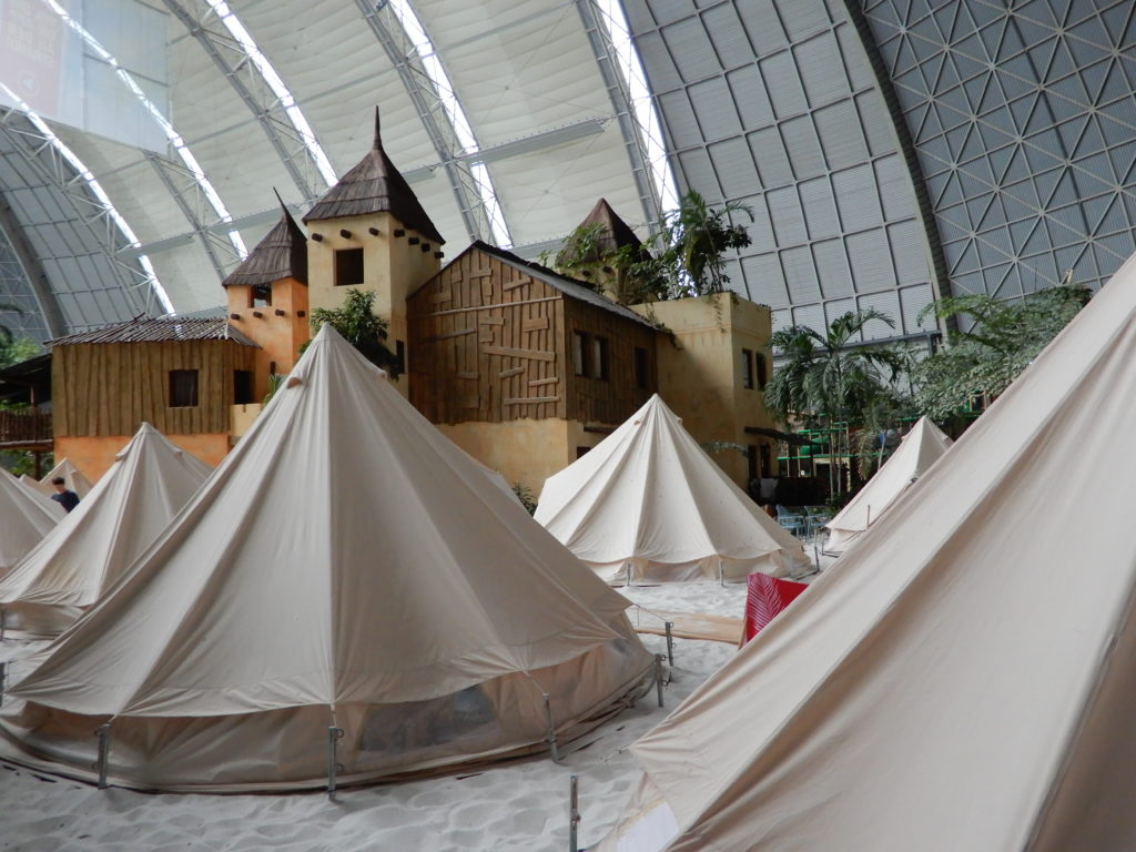 Tropical Island mit Zeltübernachtung