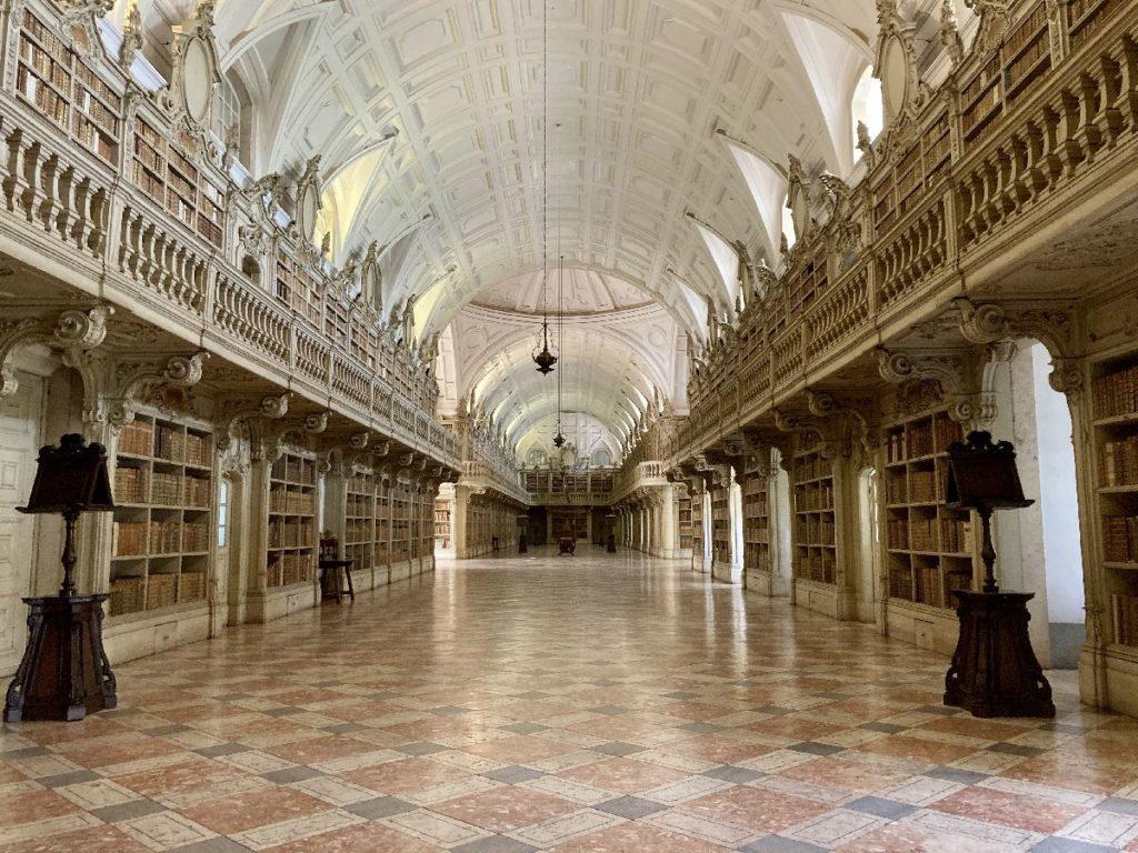Bibliothek im Palast