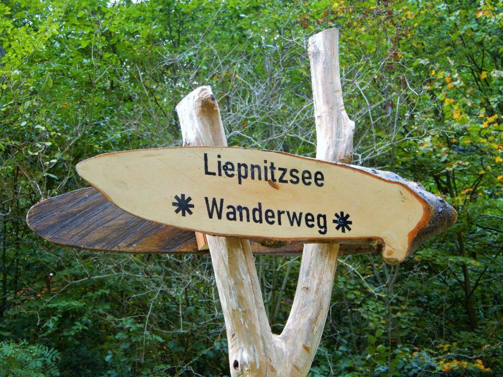 Wanderung Liepnitzsee Wegweiser